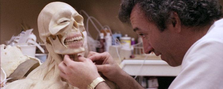 《盖棺了结》斯坦·温斯顿的亡灵特效化妆效果